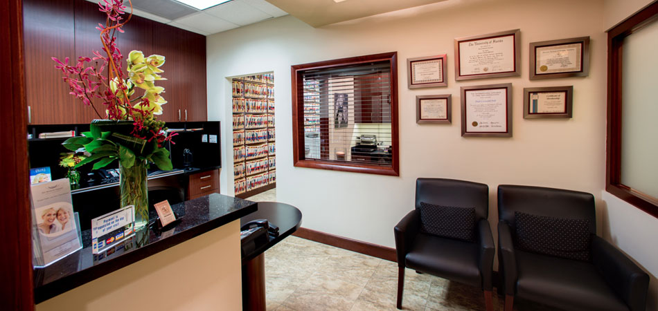 Front desk photo at Dr. Cascante's Miami Dental Office